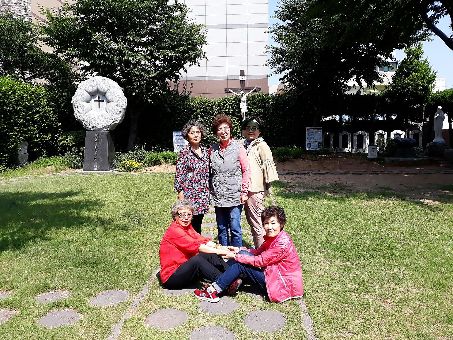 파티마의성모 6명 장대골순교성지2.jpg
