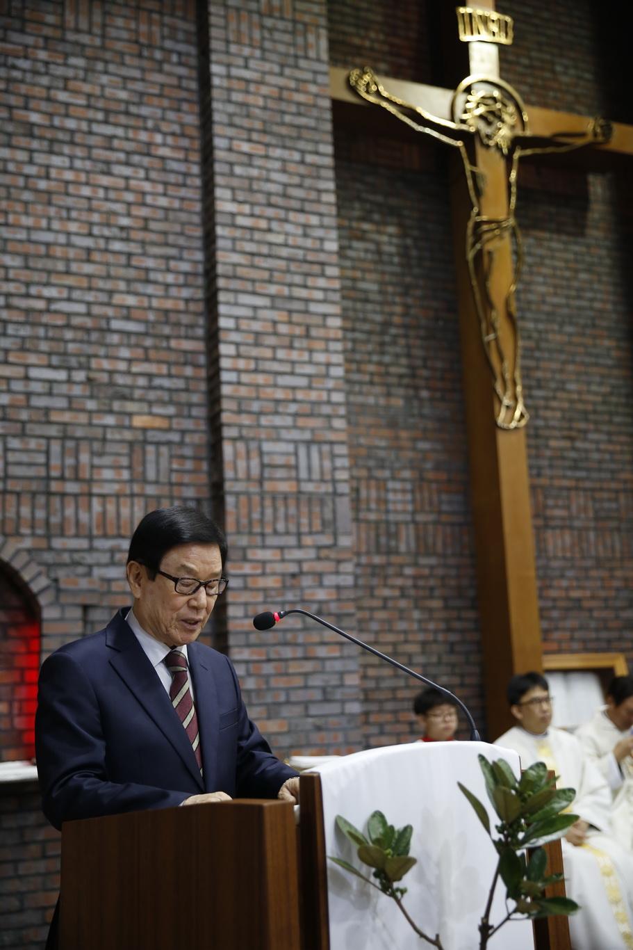 2019-12-24 성탄 성야 (117)_크기변경.JPG