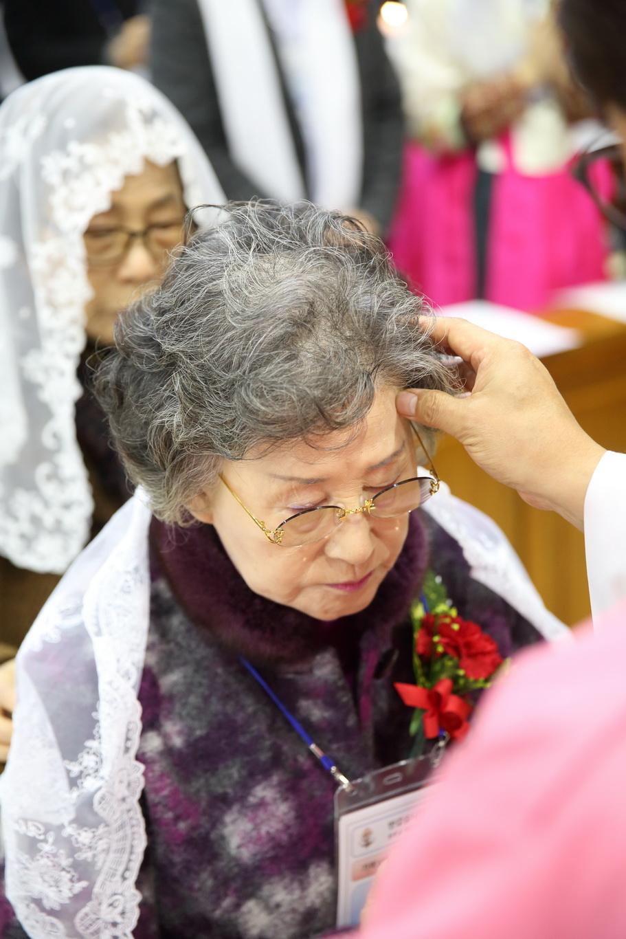 2019-12-15 세례식 (032)_크기변경.JPG