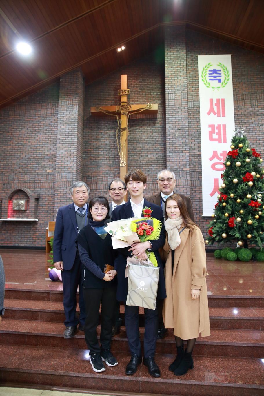 2019-12-15 세례식 (079)_크기변경.JPG