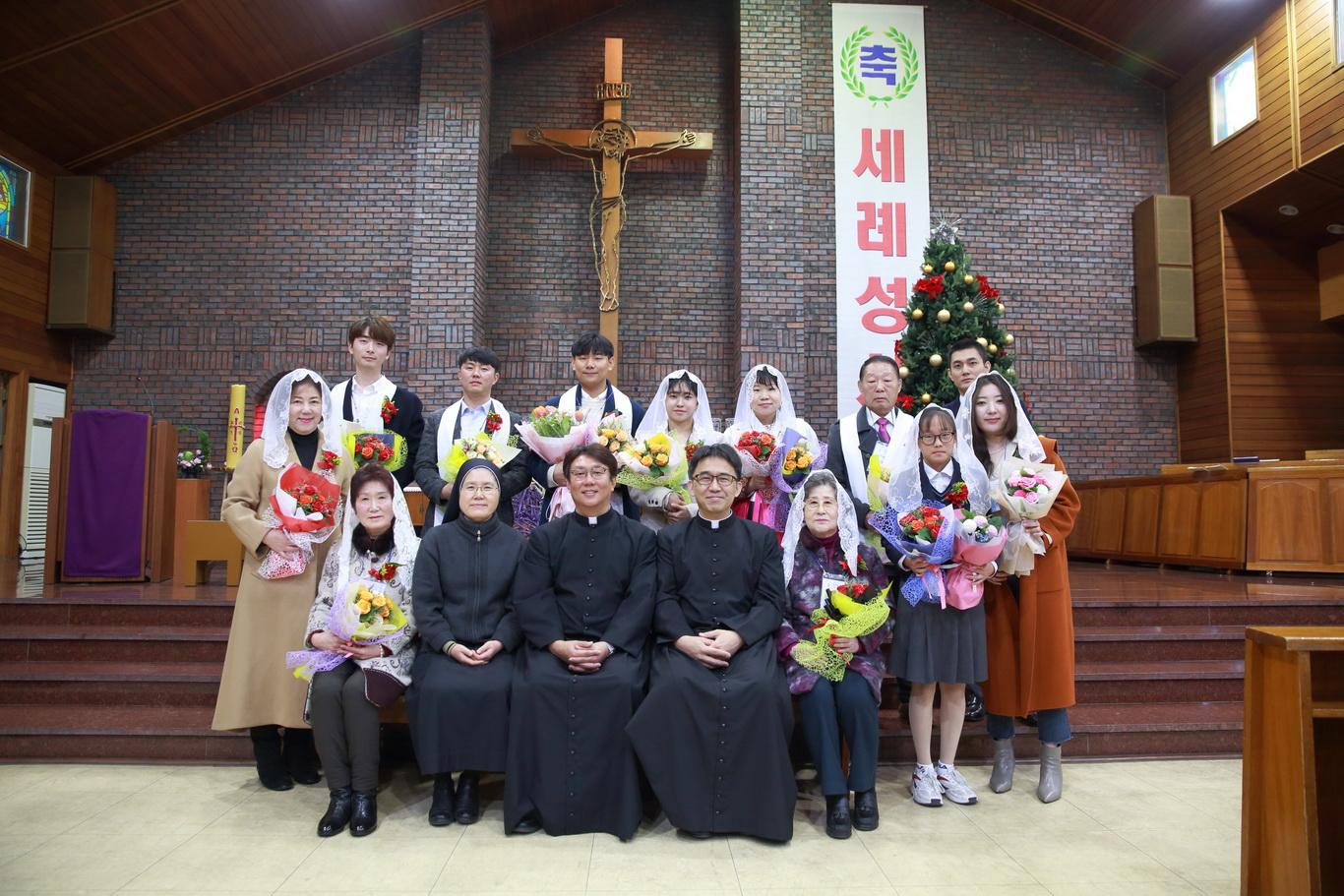 2019-12-15 세례식 (077)_크기변경.JPG