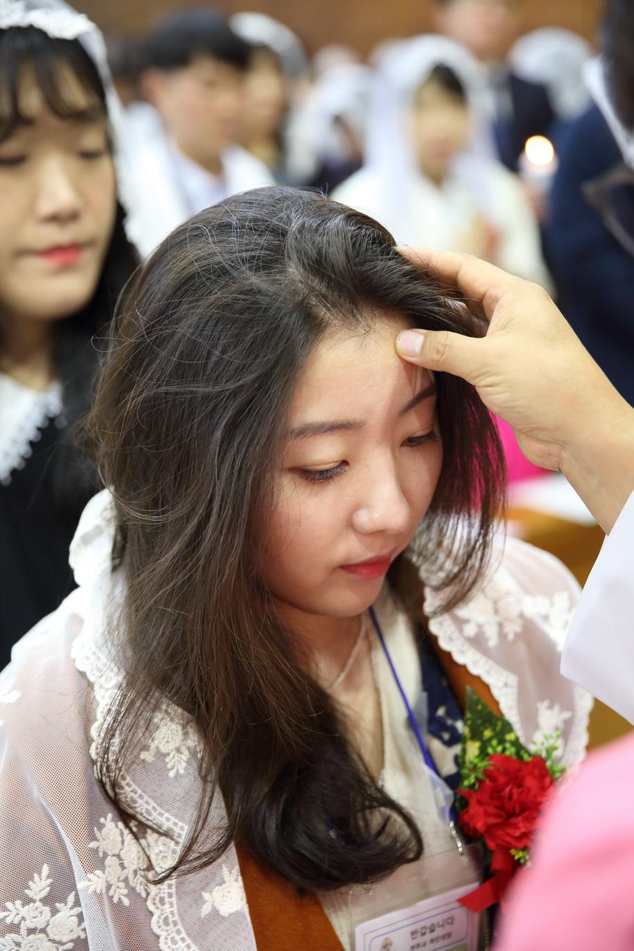 2019-12-15 세례식 (037)_크기변경.JPG