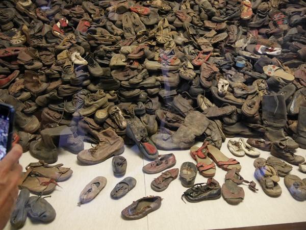 신발들-.jpg