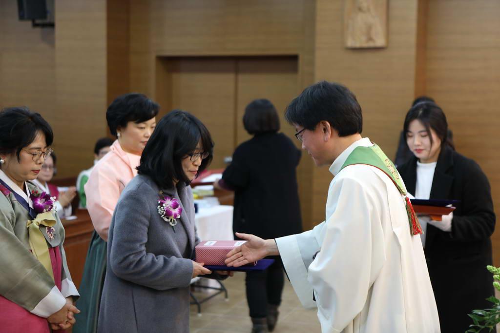 20180128신학원졸업식137_resize.JPG