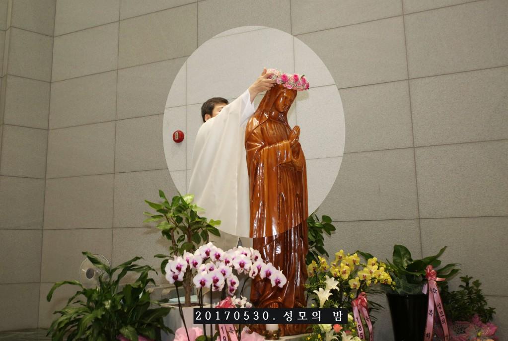 2017성모의밤모라성요한216A5065.jpg