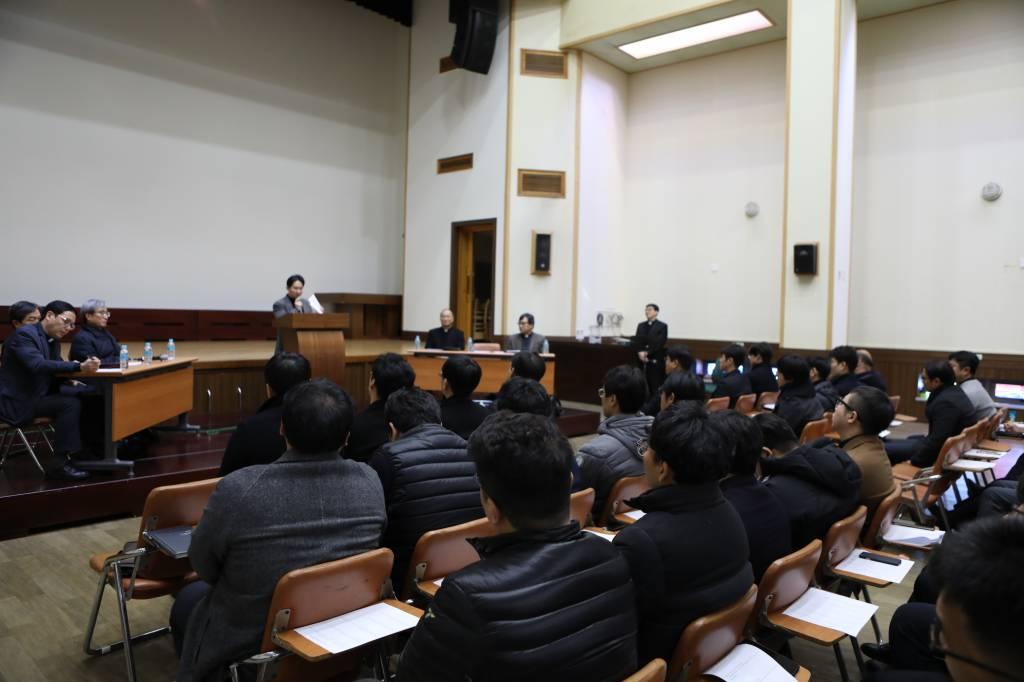 20181213부주임및보좌신부와의연례만남002.JPG