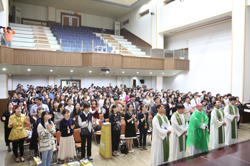 20191020교리교사근속교사시상식및문화행사006.jpg