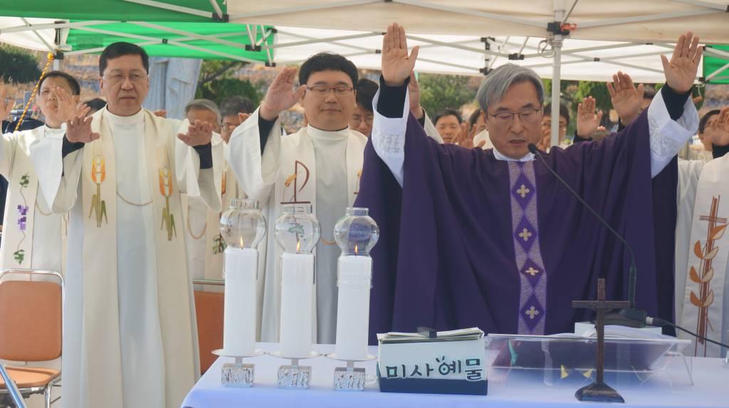 20181102위령의날미사(경주)011.JPG