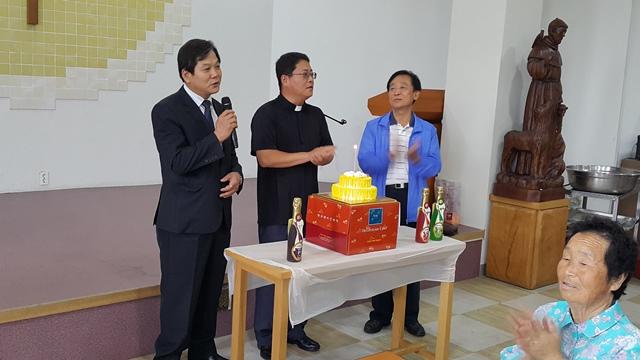 6월 21일 김두유 세례자 요한 신부님 영명 축일 행사.jpg