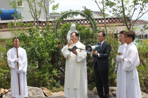 6월 2일 성모 동산 축복식.jpg
